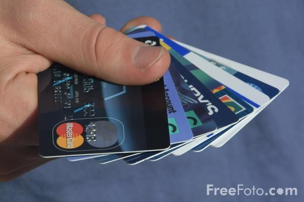 04_17_1-credit-cards_web.jpg