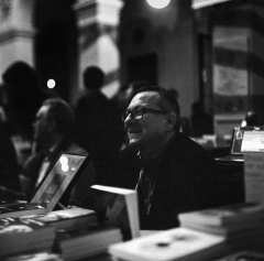 95% des livres sont inoffensifs,blasphème,cinéma de genre,communisme balnéaire,dernières nouvelles de l'enfer,disneyland préfasciste,george romero,guy debord,jérôme leroy,john carpenter,julien chambon,l'ange gardien,le bloc,le comptoir,littérature,lyon,monnaie bleue,orwell,paul signac,poésie,quais du polar,roman noir,série noire,sylvain métafiot