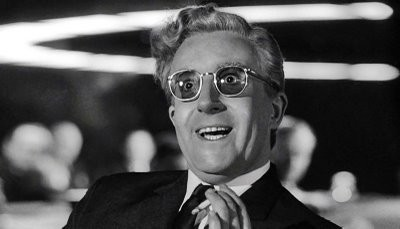 Strangelove--01,-Peter-Sellers-as-Dr-Strangelove.jpg